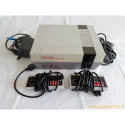 Console Nintendo NES + 2 manettes + câbles