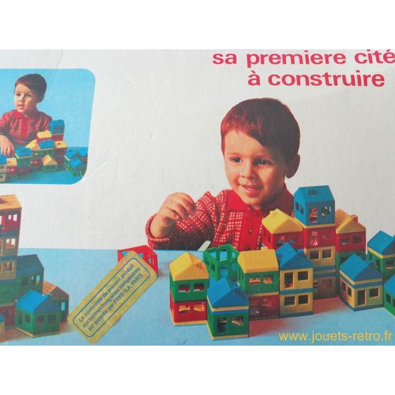 lot de petites maisons sa premi re cit construire jouets r tro jeux de soci t jeux vid o. Black Bedroom Furniture Sets. Home Design Ideas