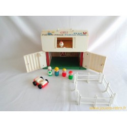 Play Family Farm - Ferme Fisher Price 1967