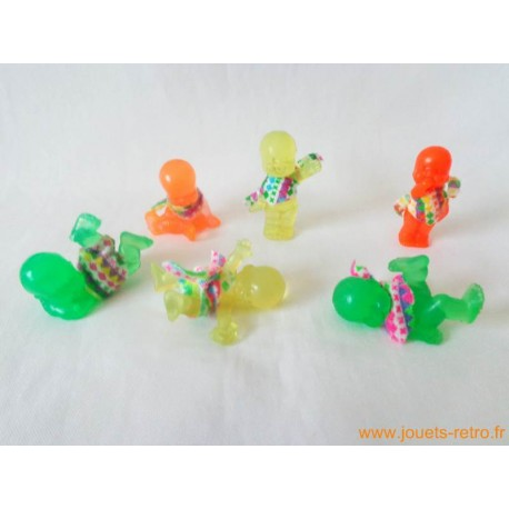"""Les Babies"" lot de 6 figurines transparent + habits"