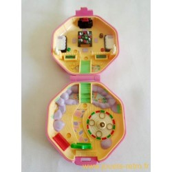 Suki's Japanese Tea House Polly Pocket 1990