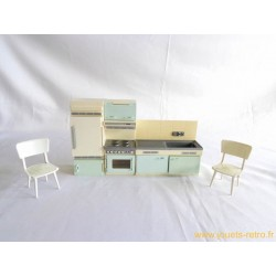Meubles de cuisine pour poupées vintage